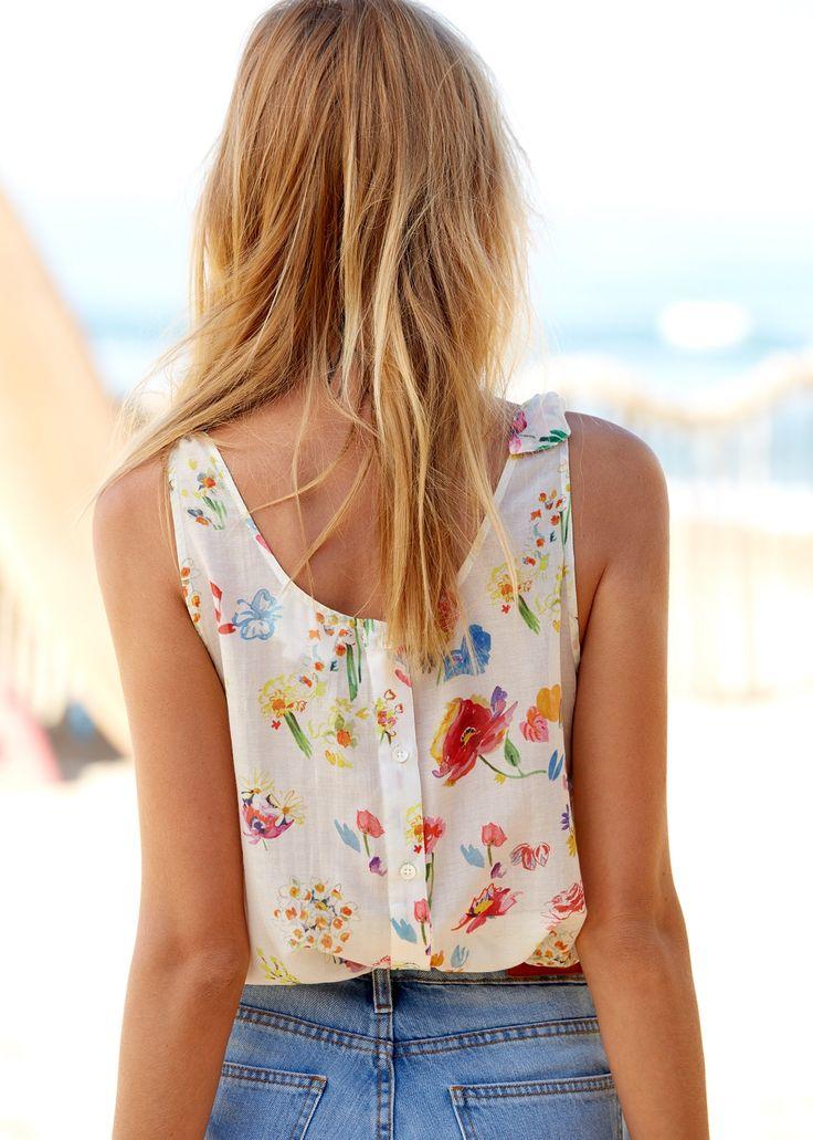 Sézane - Endless summer Top Ricci Sezane x GKero www.sezane.com #sezane #summer #summeriscoming #endlesssummer