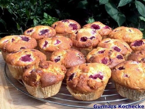 Himbeer-Muffins mit weißer Schokolade