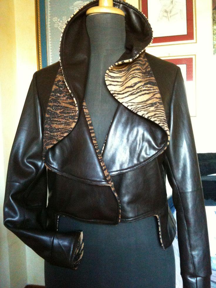 giacca con collo avvolgente