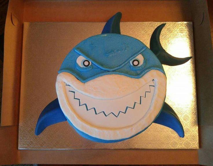 The 25 best Shark cake ideas on Pinterest Shark cupcakes Shark