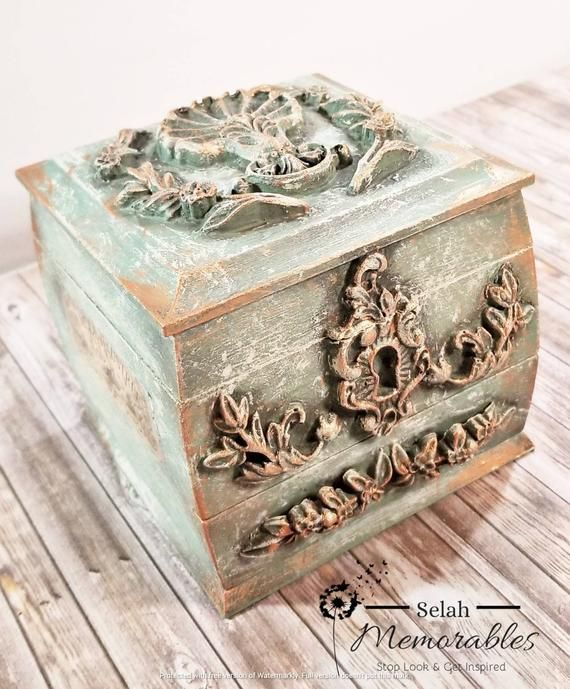 Vintage Style Jewelry Box Antique Old World Style Light Etsy In 2020 Girls Jewelry Box Old World Style Jewelry Chest