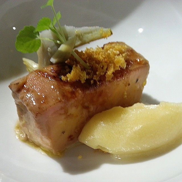 Mid-cuit de foie con helado de maiz