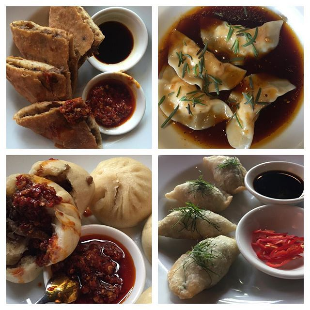 Included on my 'Specials' this evening: Crispy Wallaby Cakes / Mini Pork Buns / Crab & Prawn Dumplings / Deep-fried Vegetable Dumplings filled w @outbackpridefresh Natives / Deep-fried #MarkEather Whole Garfish w Finger Limes / #MarkEather Whole Sand Whiting w Black Bean, Chilli, Native Basil / Fried Rice w Hawkesbury River School Prawns - #billykwongpottspoint open from 5.30pm with walk-in availability at our bar, thanks everyone, KK