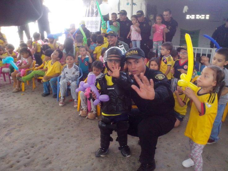 Compartir momentos de alegría con los niños de Colombia en nuestra satisfacción al deber cumplido, es nuestro #CompromisoDeCorazón
