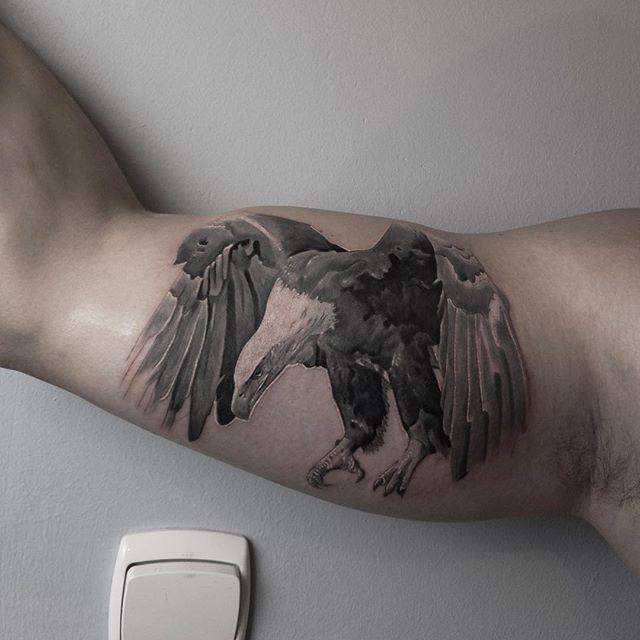 ✨👨🚀Наколол орла . Golden Eagle #eagle #tattoo #4anay #чапай #streetart #graffiti #street #urban #wallart #spraypaint #aerosol #spray #wall #mural #murals #painting #portrait #portraits #граффити #art #artist #graffitiart #tattoo #tattooed #inked #ink #canvas