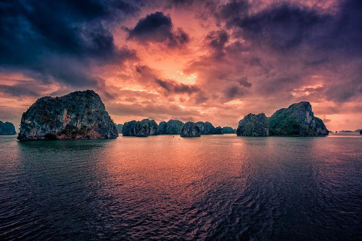Sunrise over Halong Bay, Vietnam by hessbeck-fotografix