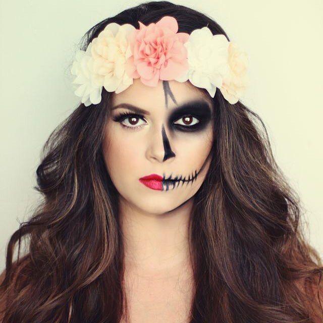 Inspiração de make para o Carnaval   Maquiagem de caveira mexicana!  A dica é…
