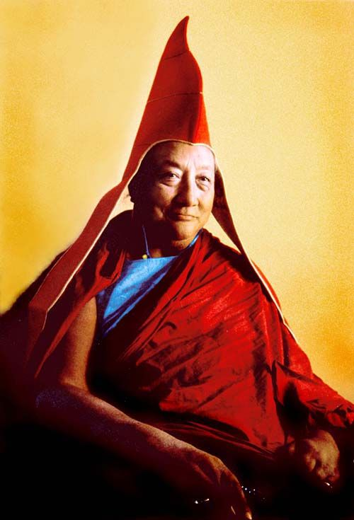 """Anger is like wind roaring in empty space ~ Dilgo Khyentse Rinpoche http://justdharma.com/s/jedtw  Anger, like any other thought or feeling, has no true existence – not even a definitive location in your body, speech, or mind. It is just like wind roaring in empty space.  – Dilgo Khyentse Rinpoche  quoted in the book """"In the Presence of Masters: Wisdom from 30 Contemporary Tibetan Buddhist Teachers"""" ISBN: 978-1570628498…"""