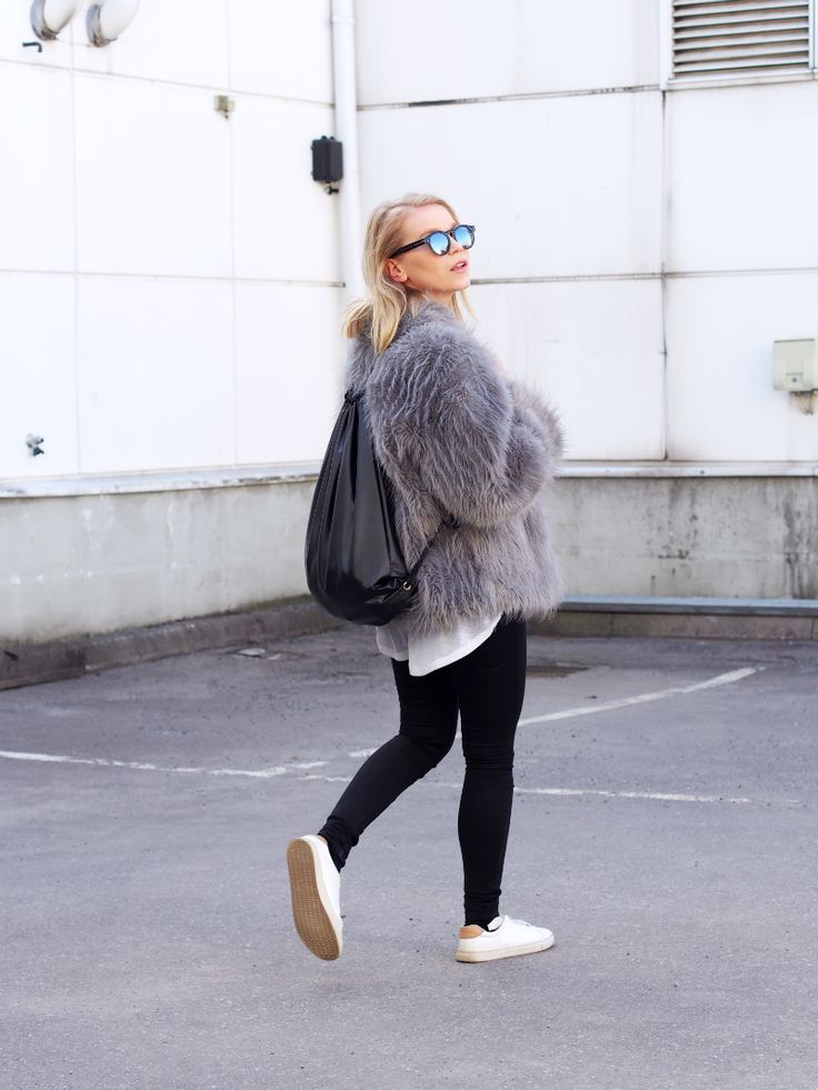 LACK OF COLOUR / Faux fur / Trainers Ootd