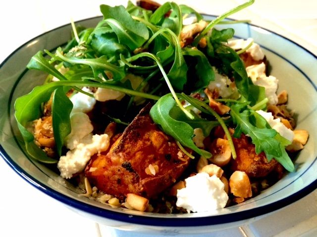 http://claireaumatcha.blogspot.fr/2015/11/salade-de-quinoa-aux-patates-douces.html