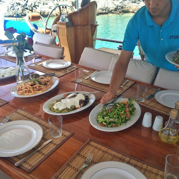 Al Fresco dining Sultan-A Turkey YogaCruising with Yoganic Moves