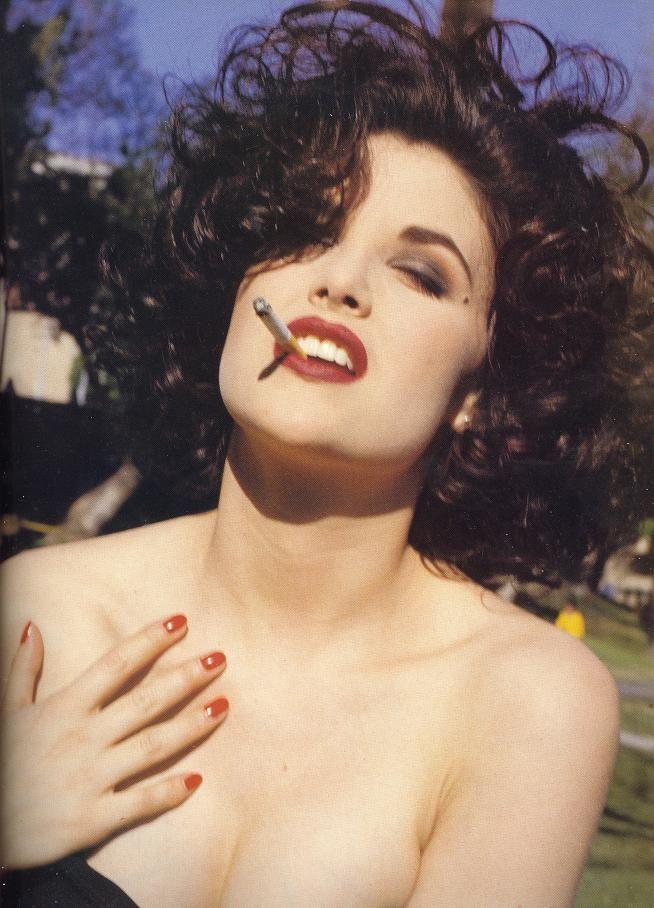 Sherilyn Fenn ~ETS #gorgeouswomen #sherilynfenn #curves
