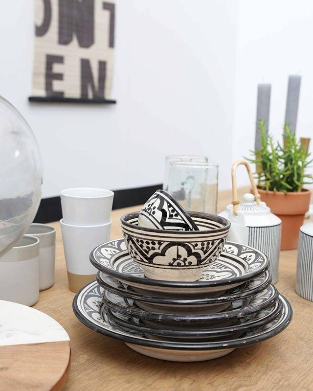 Zwart-wit schaaltjes met Marokkaanse print #home #interiorstyle #homeideas #interiorideas #homedesign #dreaminteriors #interiorstyling #instahome #interior #wonen #interiør #homedecor #woon #woonideeen #wooninspiratie