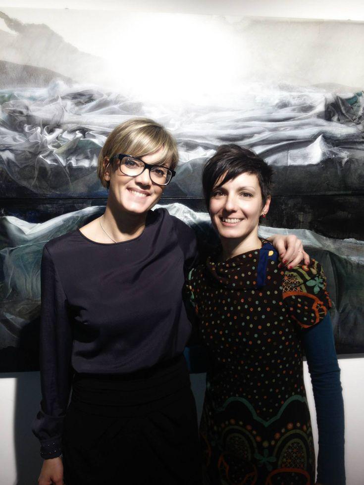 Michela Zerrilli, il nostro direttore editoriale, con Ester Negretti all'inaugurazione della Mostra dedicata al concorso Bonatto Minella (2^edizione) alla galleria Hernandez di Milano. 2013  #mostremilano #arte #edizionilizea #artisti #pittura #cataloghimostre #cultura #artist