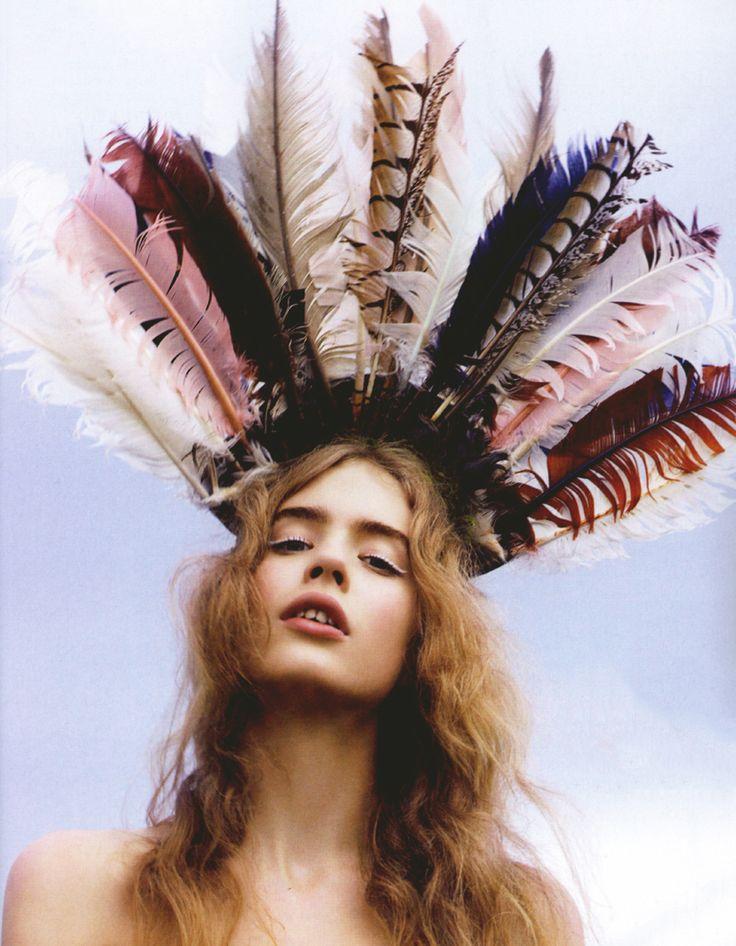 Kirsten Dunst wearing Marc Jacobs | Stylebook by Kisty Mea | StyleSaint