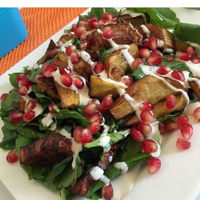 طريقة عمل سلطة الجرجير والباذنجان Salad Of Watercress And Eggplant Middle East Recipes Eggplant Salad Food Recipies