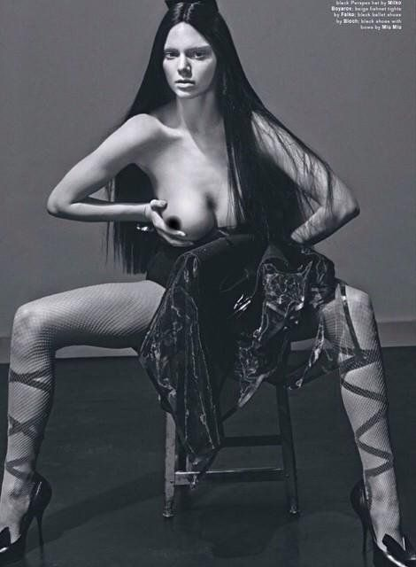 Pin for Later: Kendall Jenner's Topless Photos Will Make 2015 the Year of the Boobs