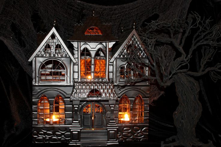 Yankee Candle Haunted House Tea Light Holder 2010 Boney