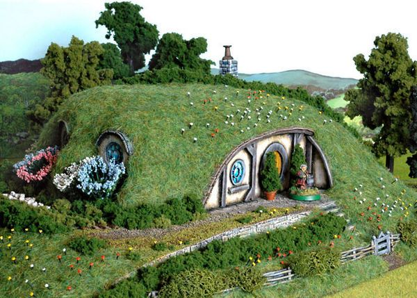Hobbit Hole House 152 best fairy/gnome homes and door ideas images on pinterest