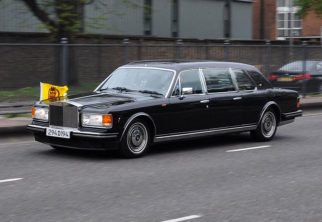 BENTLEY SPOTTING: Sultan of Brunei's Rolls-Royce Silver Spur II Touring Limousine