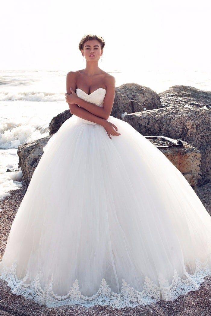 6673185dc5 Veja os Vestidos de noiva para 2018 principais tendências!