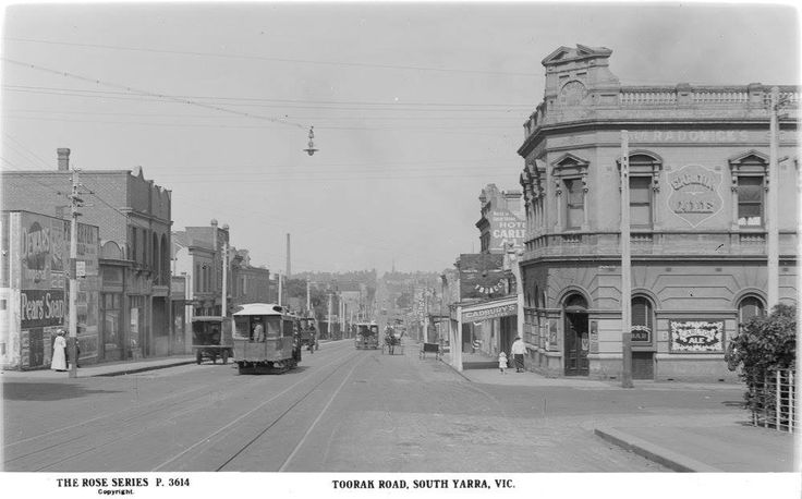 Toorak Road, South Yarra as it looked in the 1920s before electric trams came.