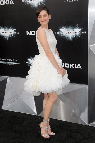 Anne Hathaway and Marion Cotillard wow in white at Dark Knight Rises premiereThanksann Hathaway, Christian Dior, Knights Rise, Premier Awesome, Awesome Pin, Marion Cotillard, Rise Premier, Dark Knights, Anne Hathaway