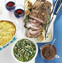This pork loin recipe is made with a pork loin roast, cranberry sauce, garlic, brown sugar, apple juice and apples. This is a cranberry pork roast for crockpot or slow cooker.