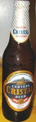 Cerveja Cristal, estilo Standard American Lager, produzida por Union de Cervecerias Peruanas Backus y Johnston, Peru. 5% ABV de álcool.