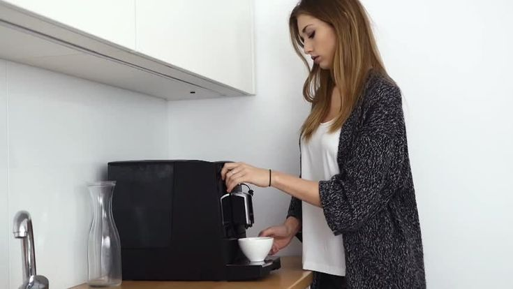 Great Smart WiFi Coffee Maker For College Students - http://www.collegedormessentials.com/computers-electronics/great-smart-wifi-coffee-maker-for-college-students/