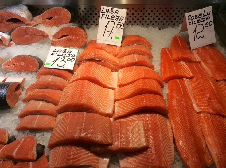 salmone al mercato generale