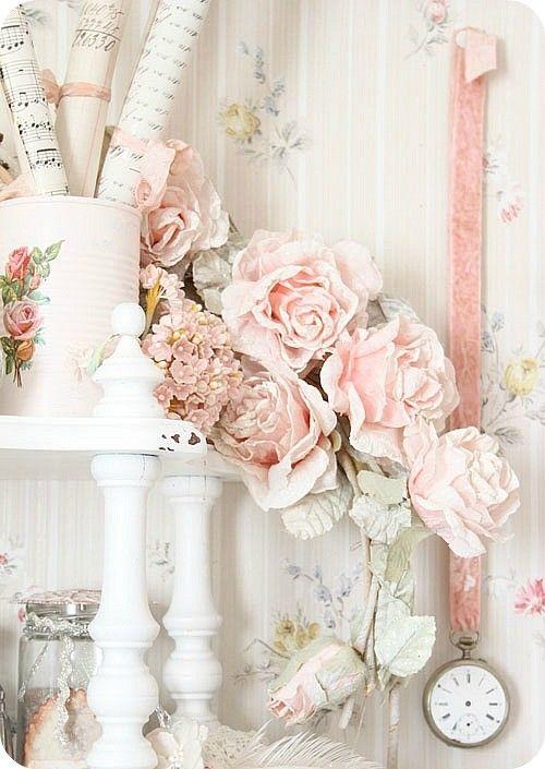 So pretty! by della Shabby Chic Romantic Cottage <3