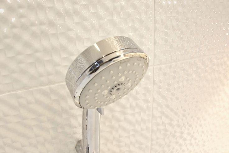 #viverto #InspiracjeViverto #łazienka #bathroom #beautiful #perfect #pomysł #design #idea #nice #cool #inspiration #biel #white #klasyka #patchwork #płytki #tiles #umywalka #armatura #baterie #bateria #wow #moda #trend #wanna #prysznic #3d #płytki3d #3dtiles