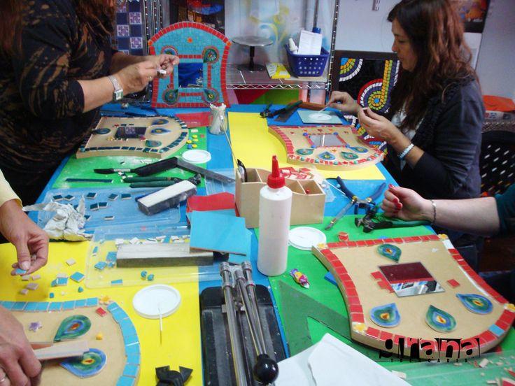 """Así trabajamos en el seminario """"Baja Frida, a los espejos"""" el Sábado 24/08"""