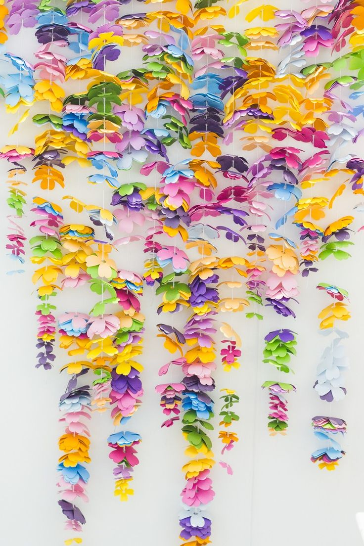 HOW TO MAKE A COLORFUL CASCADING FLOWER BACKDROP | VISIT WWW.BESPOKE-BRIDE.COM FOR MORE WEDDING + PARTY IDEAS.