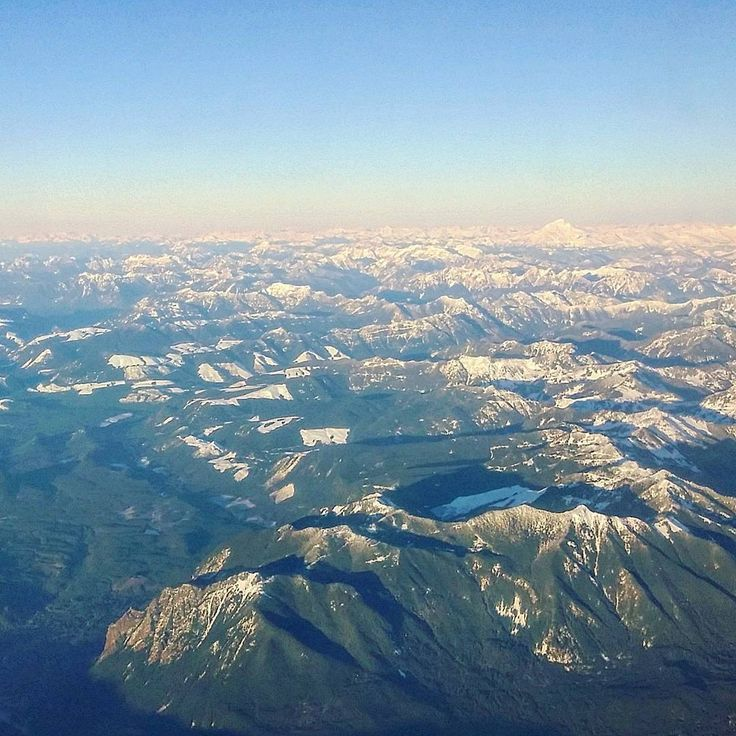 View over Rocky Mountains on the way from Seattle to Denver with @alaskaair last flight of the day. Winter holidays in Finland were fun great amazing but I'm also glad to be home.  #travel #matka #reissu #nordicnomads #viewfromabove #lento #vuoret #kalliovuoret #rockies #rockymountains (via Instagram)