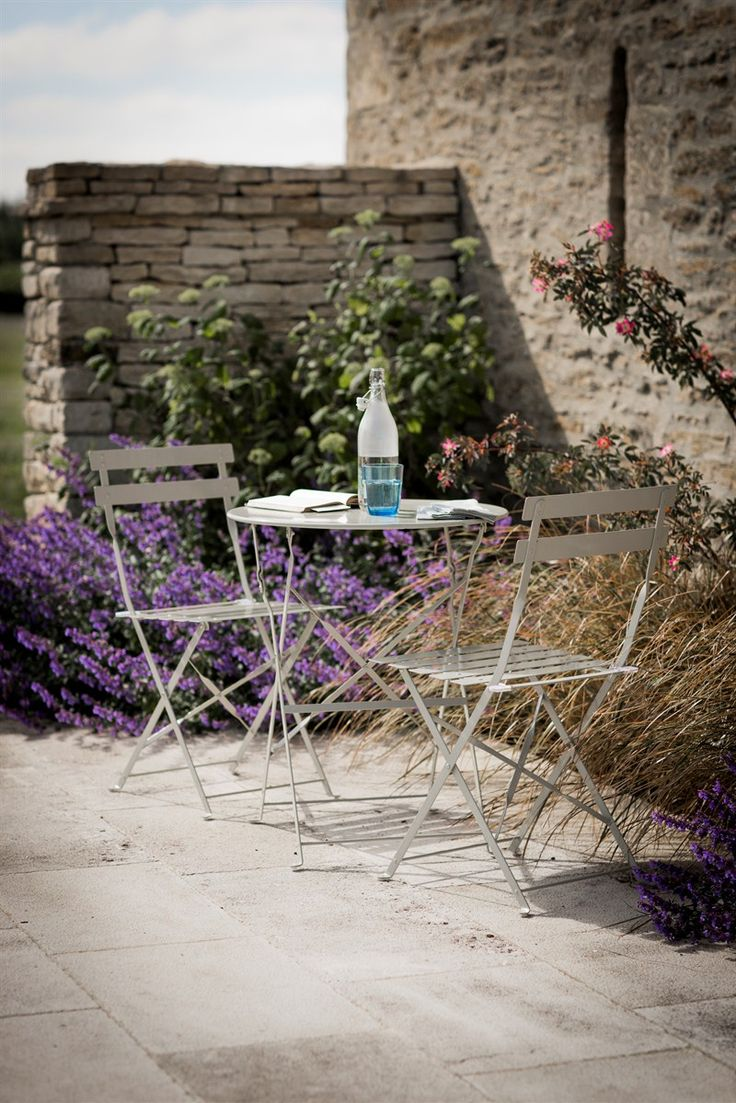 garden table and 2 chairs set. bistro set -table and 2 chairs - clay from garden trading table e