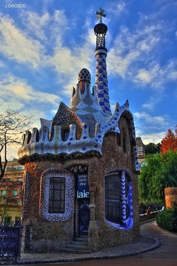 Pata de elefante, Gaudí, Barcelona