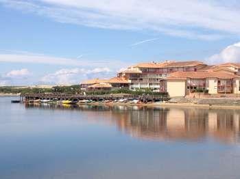 Résidence le Boucanier - au bord du lac de Vieux Boucau et à 300 mètres de l'océan