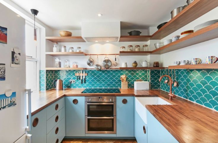 Mid-Century Modern Small Kitchen Design Ideas You'll Want to Steal - https://freshome.com/mid-century-modern-small-kitchen-design-ideas/