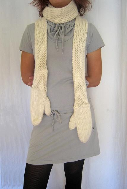 Mittenscarf by Julie Weisenberger: