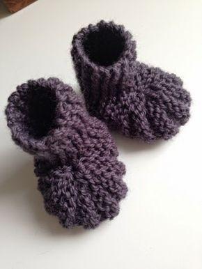 Design by Dalkær: Strikkede babysutsko-sokker (med opskrift)