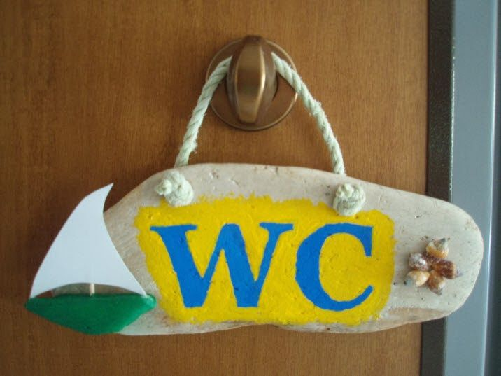 driftwood WC sign