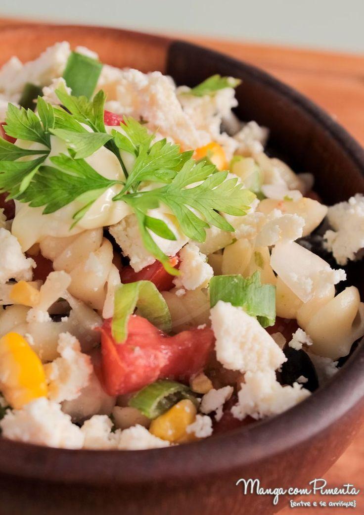 Salada Mexicana de Macarrão, para ver a receita clique na imagem para ir ao Manga com Pimenta.