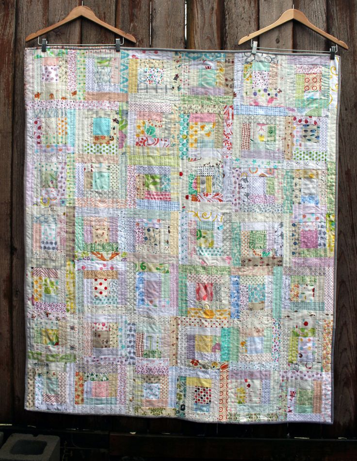 low volume log cabin quilt... Love this! Now, to start collecting low volume fabrics...