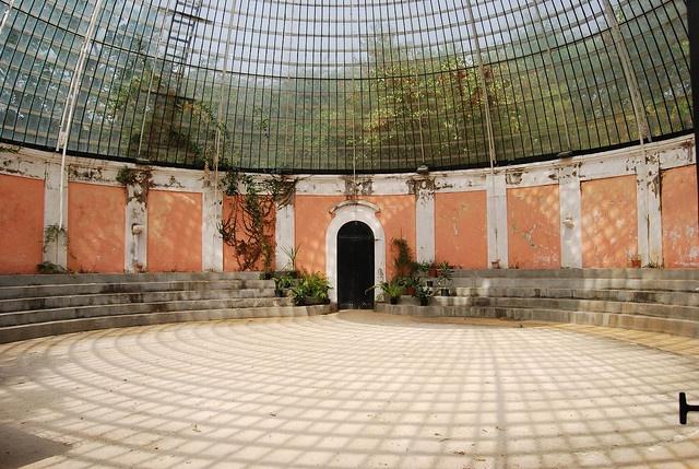 a garden house in the Tapada das Necessidades - lisbon, pt