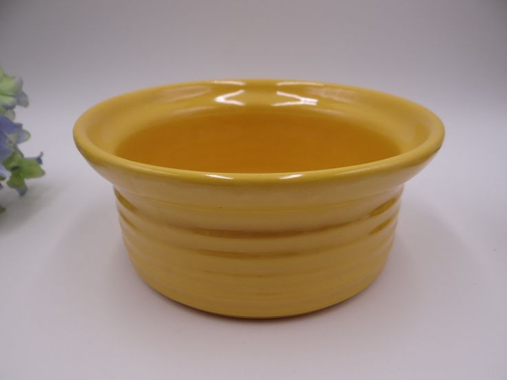"Early Period 1930s Bauer Pottery 6 3/4"" Canary Yellow Ring Ware Casserole Dish or Bowl"
