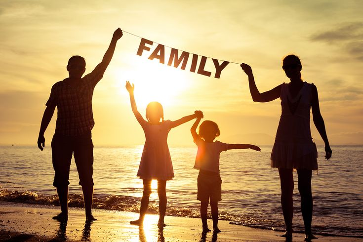 Насколько гармоничны ваши отношения в семье? Расскажет тест! Почему-то с чужими людьми и знакомыми мы ведем себя сдержанно, и даже если что-то раздражает, не позволяем себе «сорваться».  Но дома у большинства семей выяснение отношений — в порядке вещей. Мы выливаем на близкого человека все свои проблемы, предъявляем претензии, обижаемся… Но к чему это приводит?… Пройдите тест на отношения в семье, чтобы понять, к чему ведут вас ваши взаимоотношения!   http://omkling.com/otnoshenija-v-seme/