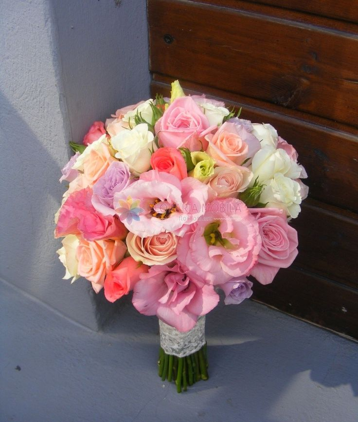 buchet mireasa cu trandafiri si lisianthus / roses & lisianthus wedding bouquet