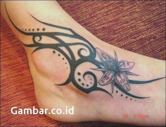 Gambar Tato Keren Di Tangan Wanita Tribal Foot Tattoos Fairy Tattoo Designs Foot Tattoos